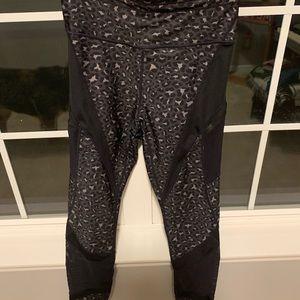 Fabletics ultracool pocket 7/8 leopard legging